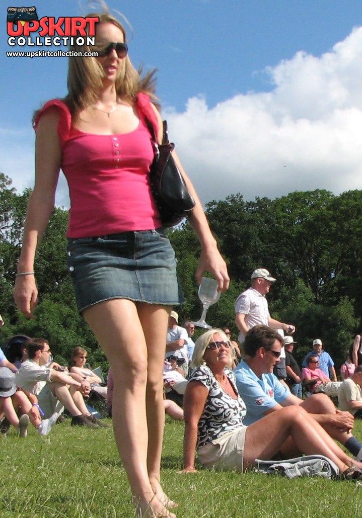 Upskirt spy cam, it caught hot blondes upskirt view